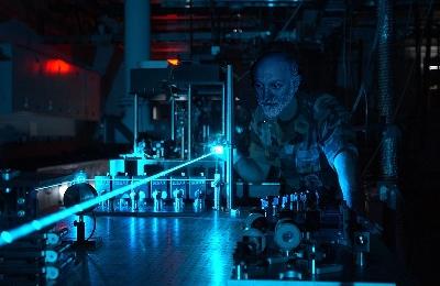 ISTRUZIONI D`USO laser verde green puntatore indicatore