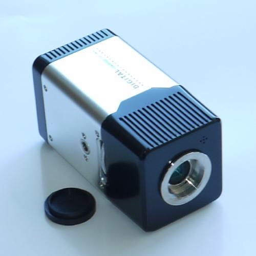 Telecamera 1/3`` digitale CCD alta risoluzione  alta sensibilità colore & B/W