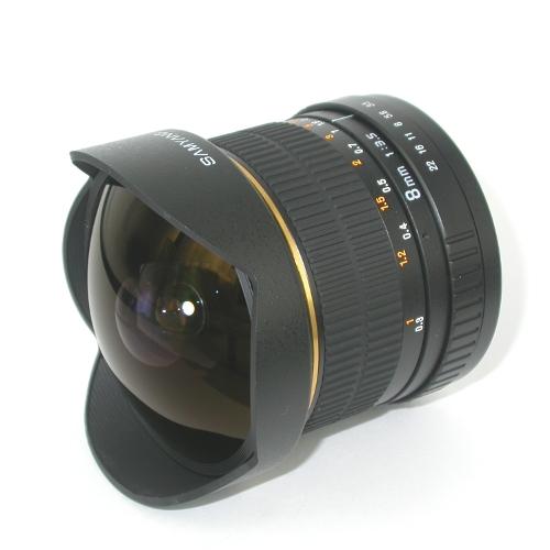 Obiettivo ultragrandangolo FISH-EYE  focale 8mm f 3,5 innesto Canon Eos